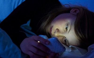 Reading From Your Smartphone/Tablet Before Bedtime Can Adversely Impact Sleep